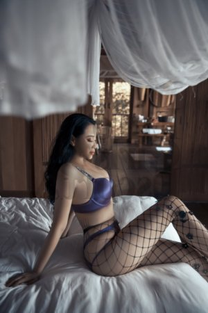 Miruna erotic massage in Elkridge